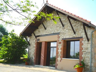 Photo for Luxurious & spacious cottage with private pool between Toulouse, Gaillac & Albi