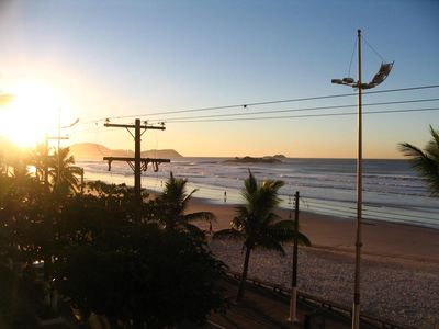 Photo for Large apartment facing the sea in Pitangueiras