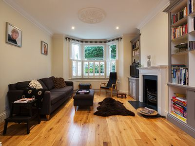 Photo for Contemporary family home from the River Thames with large mature garden (Veeve)