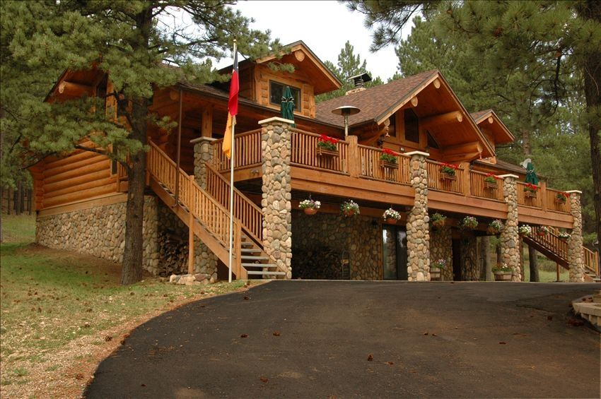Beautiful Rustic Log Cabin Vrbo