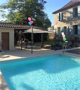 Photo for Vast 5 bed family home in village location with private pool 25mins to Bergerac