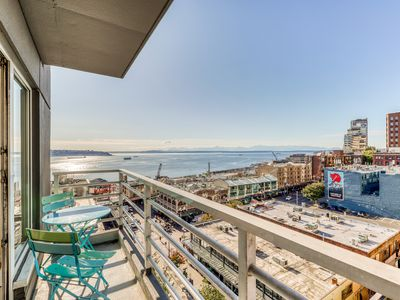 Photo for Bayview suite w/ great views, walk score of 100 & shared indoor pool & hot tub