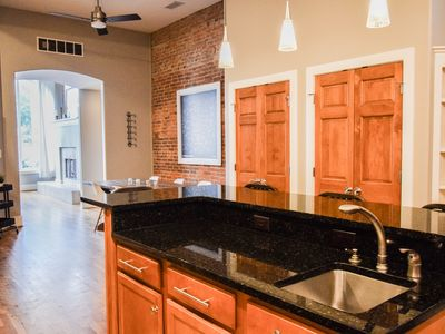 New Beautiful Spacious Downtown Indy/7beds/2.5bath/Historic Lockerbie/park free
