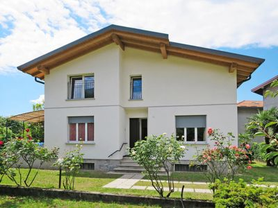 Photo for Vacation home Villa Giulia (DER160) in Dervio - 12 persons, 6 bedrooms
