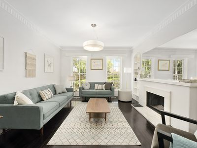 Photo for Spacious and stylish townhouse in Melbourne's most leafy suburb