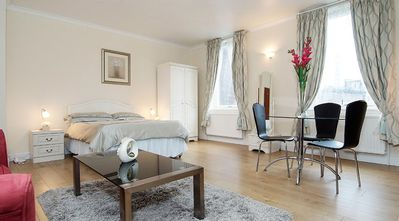 Photo for Lovely large Studio for 3 nest to Oxford street