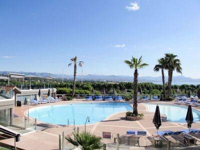 Photo for One bedroom Apartment, sleeps 3 in Plaine de la Brague with Pool, Air Con and WiFi