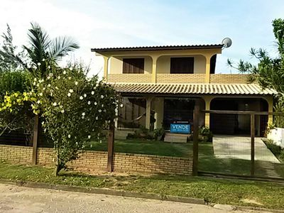Photo for Central House in Lagoa das Capivaras P / 10 people 2 blocks from Garopaba beach