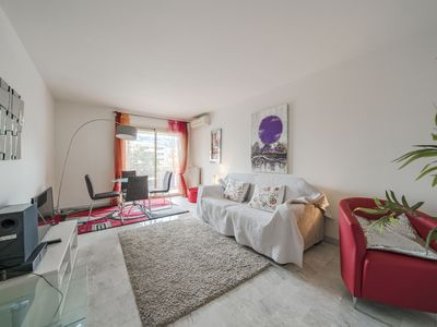 """Photo for Pleasant 1 bedroom close to"""" la rue d'Antibes"""""""