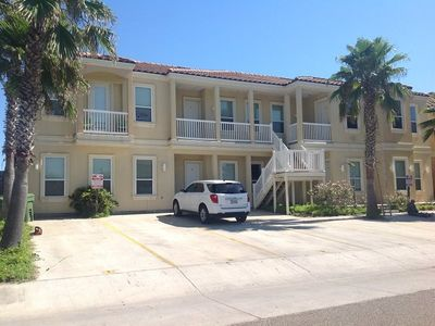 Photo for Ground floor condo close to the beach & entertainment. Sleeps 6, 2 bedrooms, 2 baths. Shared Pool