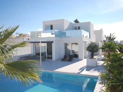Photo for New, modern villa with private pool in a quiet villa district in the Costa Blanca
