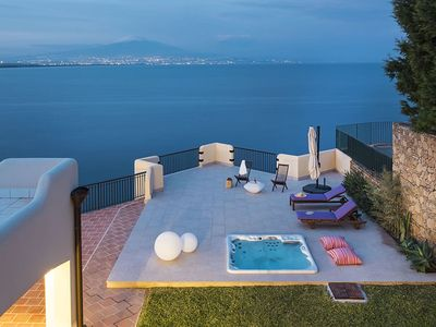 Photo for Villa in front of the Sea in Sicily, 8 People, WiFi, A/C, Whirlpool