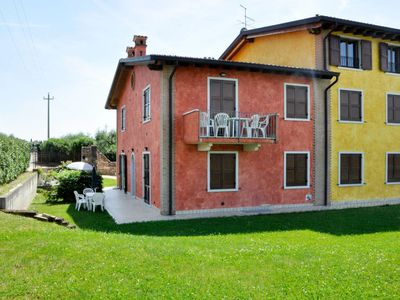 Photo for Apartment Casa Rossa (LAZ177) in Lazise - 4 persons, 1 bedrooms