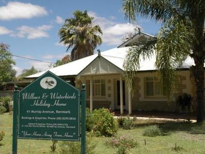 Photo for Willows & Waterbirds ~ Renmark Holiday Home