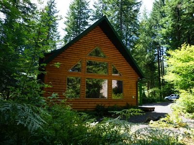 Photo for Mt Hood, Sandy River, hot tub,  miles of trails, communal pool. Dogs welcome...