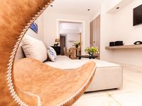 Great location, well spec appliances and furniture. Perfect for couple of days stay.
