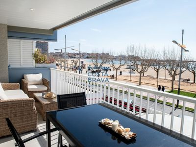 Photo for Cozy and renovated apartment on the first sea line in Palamós