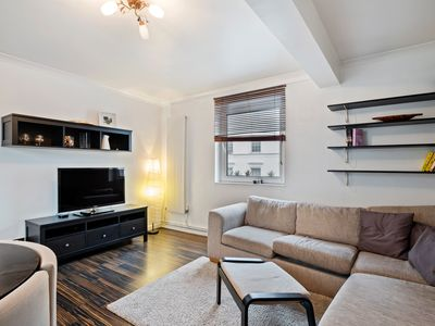 Photo for Modern perfectly located 2-Bed Apartment in Paddington