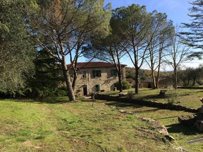 Photo for Holiday Apartment in a Tuscan Estate with Wi-Fi, Air Conditioning and Garden