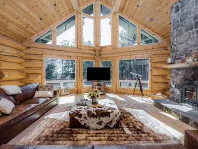 Photo for Luxurious Log Cabin Cottage