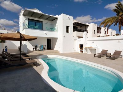 Photo for Luxury, attached villa with heatable pool near Puerto del Carmen