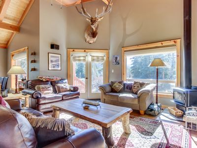 Photo for Escape to the mountains w/modern and private mountain cabin w/ cozy decor