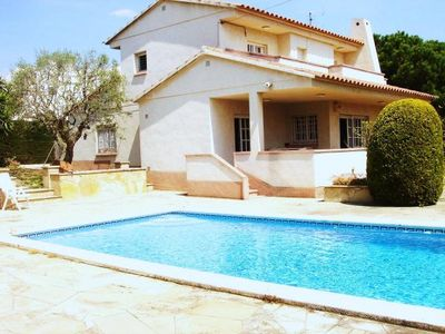 Photo for House with pool just 800 meters from the beach