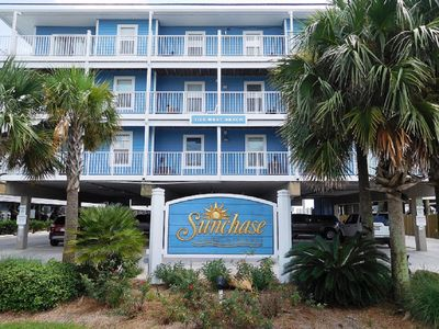 Photo for BEACHFRONT!!! 2 Bedroom 1 Condo with Pool and Hot tub - Sleeps 6!