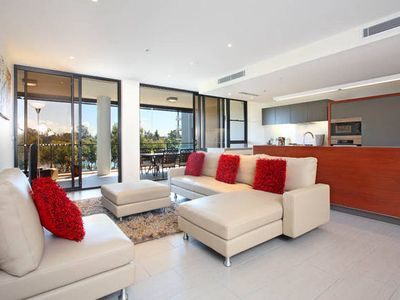 Photo for Reach Riverfront Brisbane apartment opposite Pat Rafter Arena