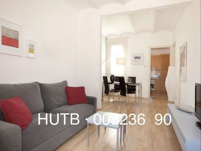 Photo for Rizal apartment in Gràcia with WiFi, air conditioning, balcony & lift.