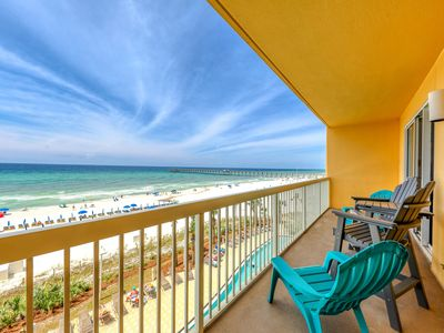 Photo for Waterfront getaway w/ a full kitchen, furnished balcony, shared pool, & gym