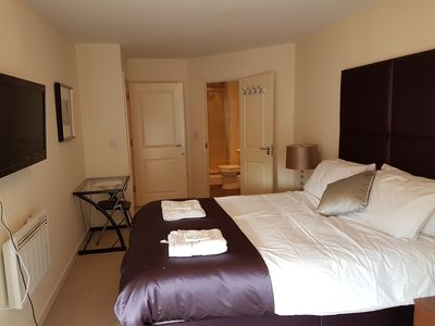 Photo for Apartment 2 bed 2 bath in Slough
