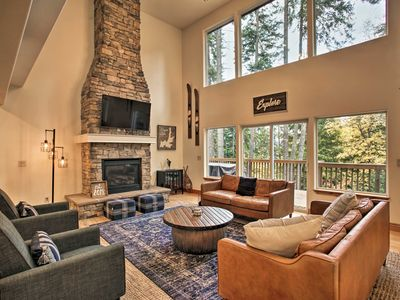 Photo for Spacious Hayden Lake House - 3 Minutes to Marina!