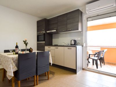 Photo for Apartment Filtea in Vrsi - 4 persons, 2 bedrooms