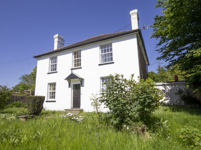 Photo for 4 bed period family home with aga available for longer lets.