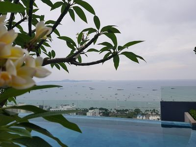 Photo for Luxury 1BR 25th Floor with Infinity Swimmingpool Pattaya Downtown