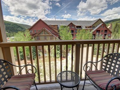 Photo for Enjoy the slopes views from the private balcony of this large 1 bedroom 2 bathroom with sleeping capacity for 6. River Run Village is a couple of minutes away, walking distance to the gondola, makes this condo the perfect location for your Keystone vacatio