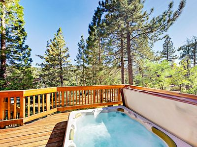 Photo for Family Fun Awaits! Boulder Bay 4BR w/ Private Hot Tub & Arcade, Near Lake!