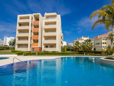 Photo for Condo Praia da Rocha (minimum 5 nights) Parking / Air Conditioning / Wi-Fi