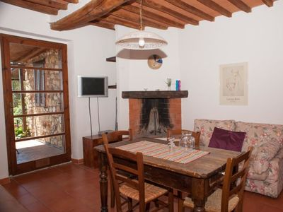 Photo for Apartment Podere L'Orsinghi App. B in Ravi - 4 persons, 2 bedrooms