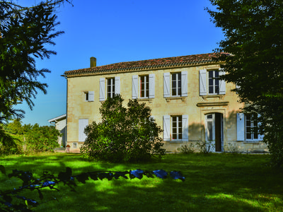 Photo for Guest house for 10 only 20 min away from Bordeaux, Pessac, and Léognan (Gironde)