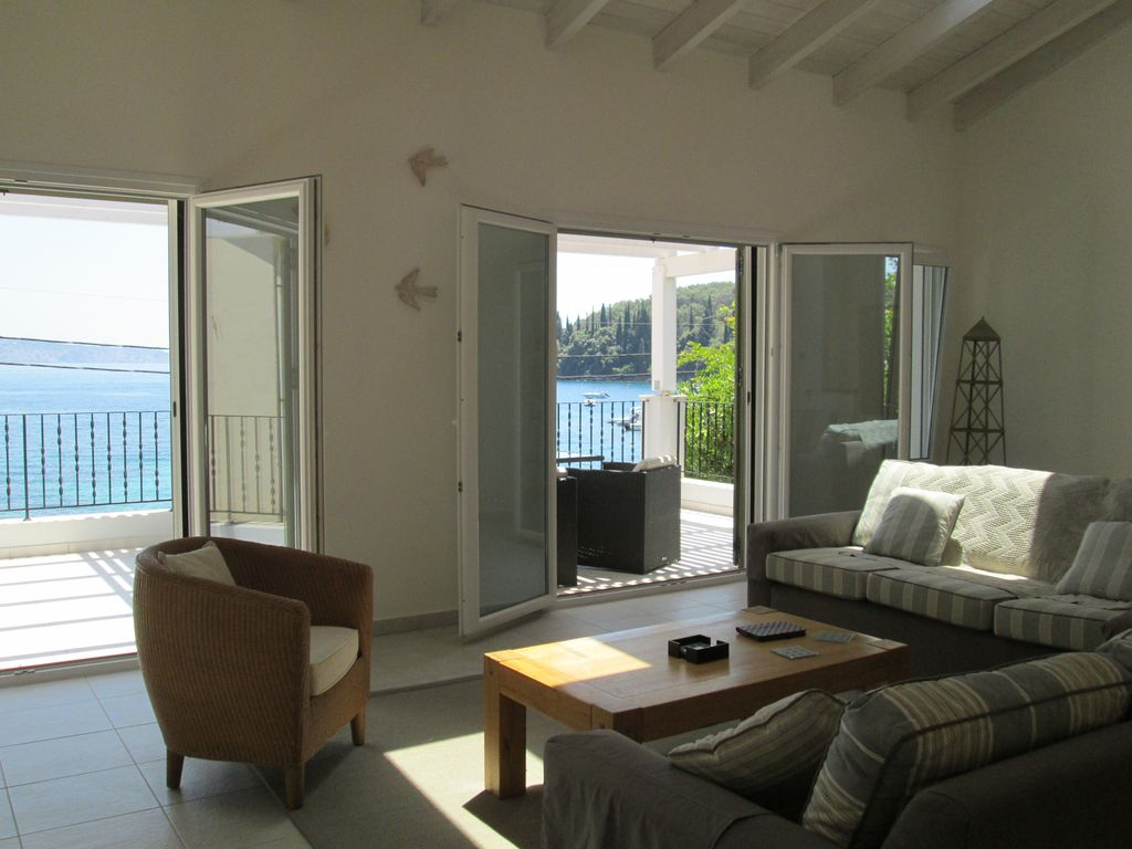 Beautiful Seafront Villa in Kalami with Stunning Sea Views  Photo 1