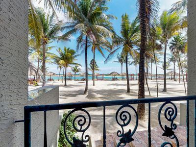 Photo for 2BR Condo Vacation Rental in Parrot Tree, Ro