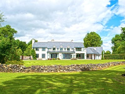 Photo for Fabulous Lakeshore House on Lough Derg