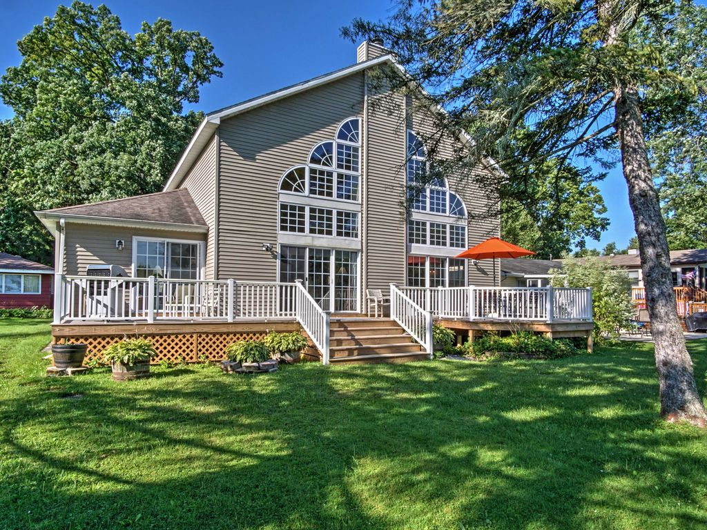 New waterfront 3br vandalia house on donne homeaway for 10 bedroom vacation rentals in michigan