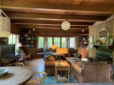 Photo for Rustic family vacation retreat with private tennis court (dogs welcome!)