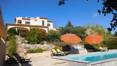 Photo for Luxurious villa with private pool, in the hills, Algarve, Sao Bras de Alportel.