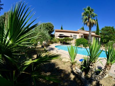 Photo for Between sea, Camargue and Cevennes, Villa with pool, nature and quiet