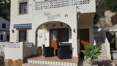Photo for apartment ground floor for 4 to 5 people, quiet location, sea view casa DOBRADA