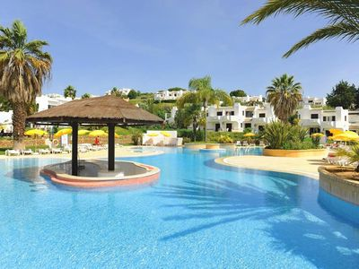 Photo for Luxury 3 Bedroom Apartment, Pool & Garden Views, Clube Albufeira near Old Town